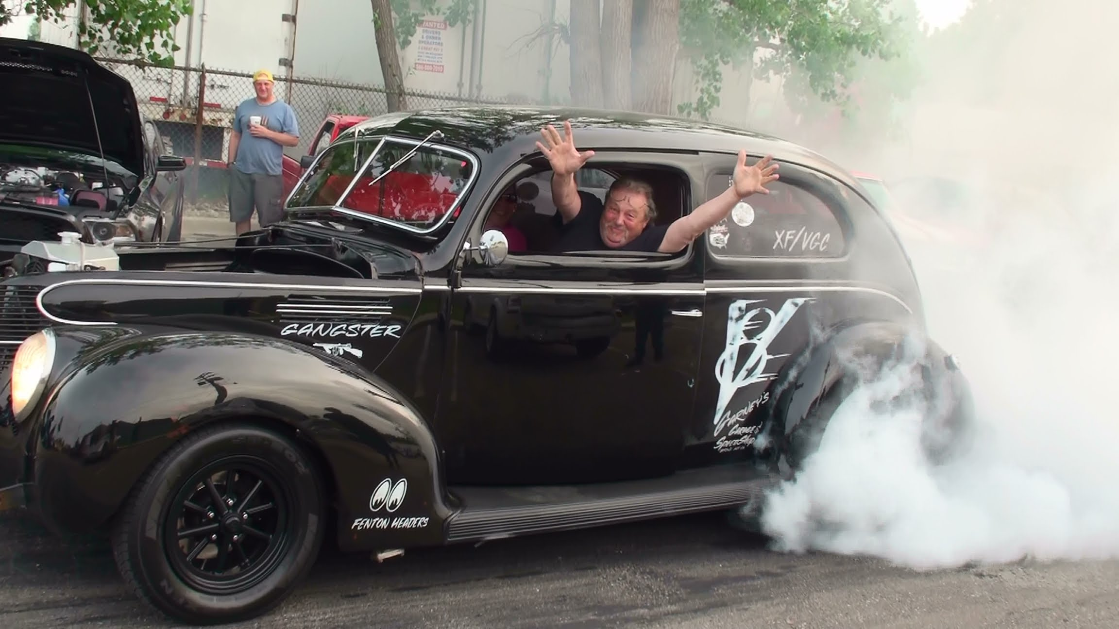 Black Gangster V8 Hot Rod Is The Burnout King In This Tournament
