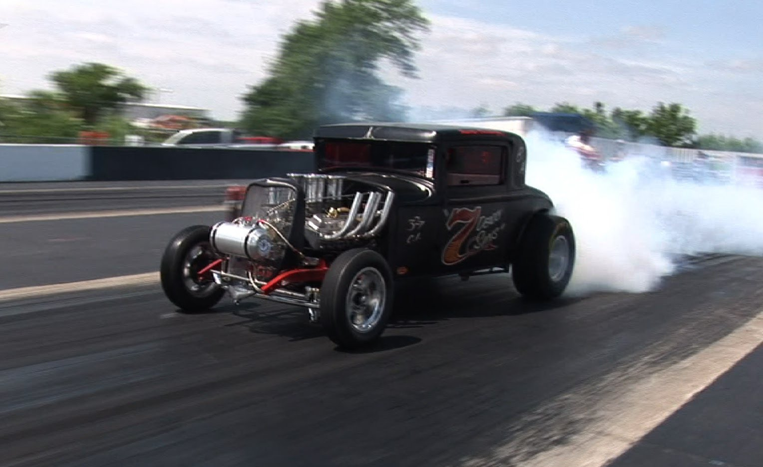 Check Out This Old School Gasser Drag Racing