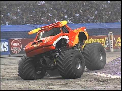 Crazy El Toro Loco Monster Truck Crushing Cars And Buses