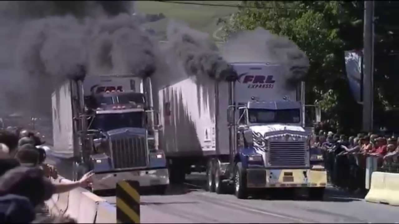Wow, This Semi Truck Racing And Diesel Truck Rolling Coal ...
