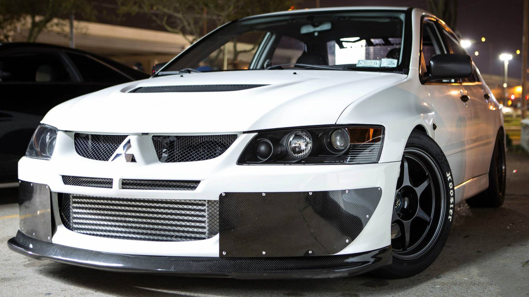 1000hp monster mitsubishi evo takes on a powerful 1300hp corvette in an exciting street race. Black Bedroom Furniture Sets. Home Design Ideas