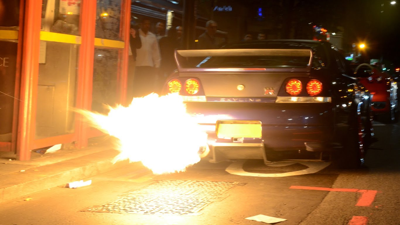 Fire Spitting Nissan Skyline GT Rs Terrorize Londoners